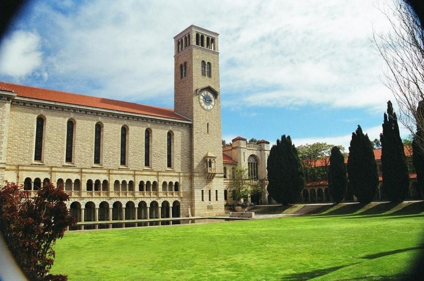 Đại học Tây Úc là ngôi trường lớn mạnh nhất bang Tây Úc