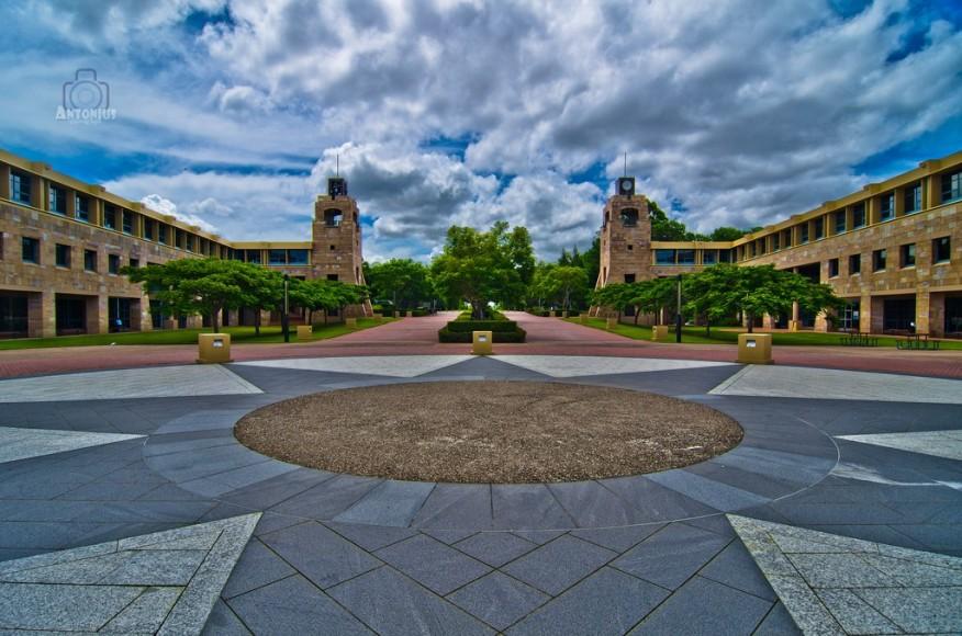 Đại học Bond vinh dự được đánh giá 5 sao cho chất lượng sinh viên